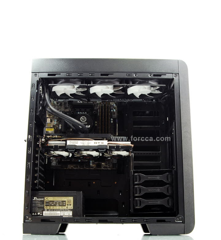 Thermaltake Core V41-87.jpg