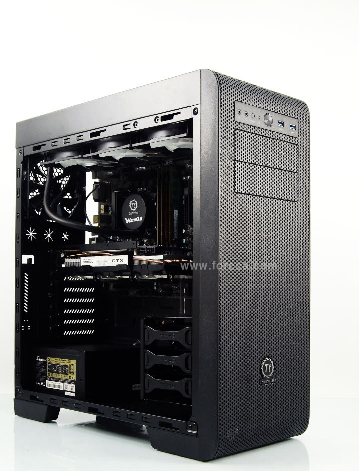 Thermaltake Core V41-86.jpg