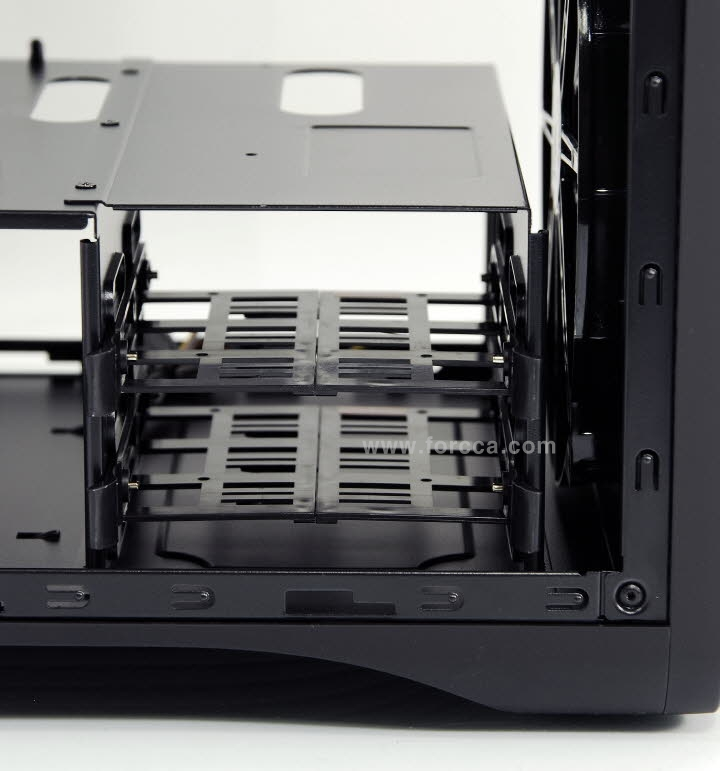 AeroCool DS Cube Window BW-32a.jpg