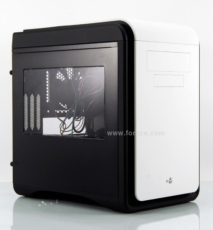 AeroCool DS Cube Window BW.jpg