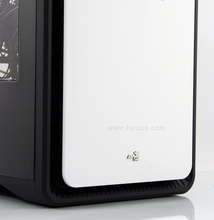 AeroCool DS Cube Window BW-22.jpg