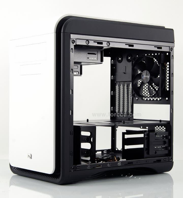 AeroCool DS Cube Window BW-34.jpg