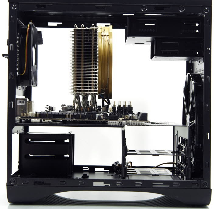 AeroCool DS Cube Window BW-85.jpg