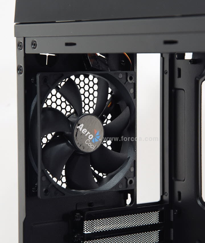 Aerocool DS200 Window Orange-54.jpg