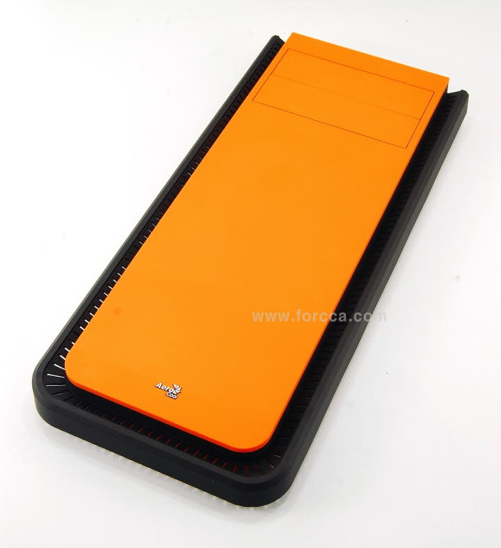 Aerocool DS200 Window Orange-66.jpg