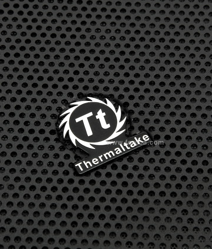 Thermaltake Core V41-56.jpg