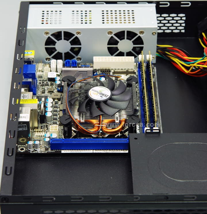 ITX30 vs 1U CPU cooler-16.jpg
