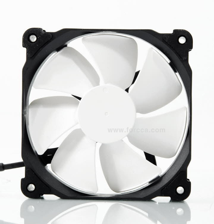 Phanteks PH-TC12LS-36.jpg
